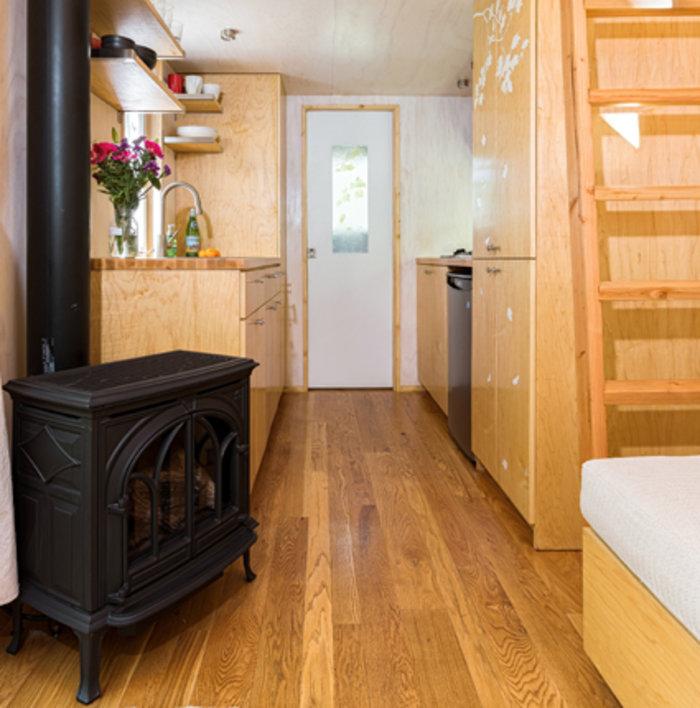 Πόση άνεση μπορεί να χωρέσει σε ένα σπίτι 14 τ.μ.; Θα εκπλαγείτε... - εικόνα 9
