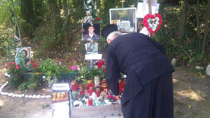 «Πέτα ψηλά αετέ»- 6 μήνες χωρίς τον Βαγγέλη Γιακουμάκη- Το μνημόσυνο - εικόνα 3