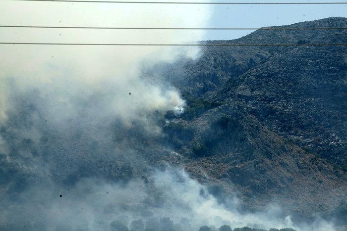Καμένη γη από τη μεγάλη πυρκαγιά στην Αιτωλοακαρνανία [Εικόνες]