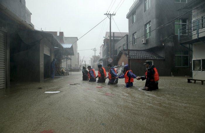 Ο φονικός τυφώνας Σουντελόρ χτύπησε και την Κίνα - εικόνα 2