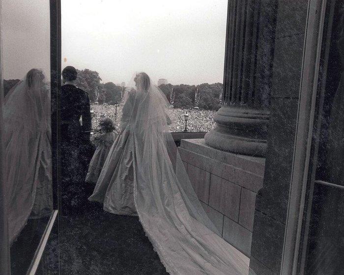 Νταϊάνα - Κάρολος: Οι άγνωστες φωτογραφίες του γάμου - εικόνα 3