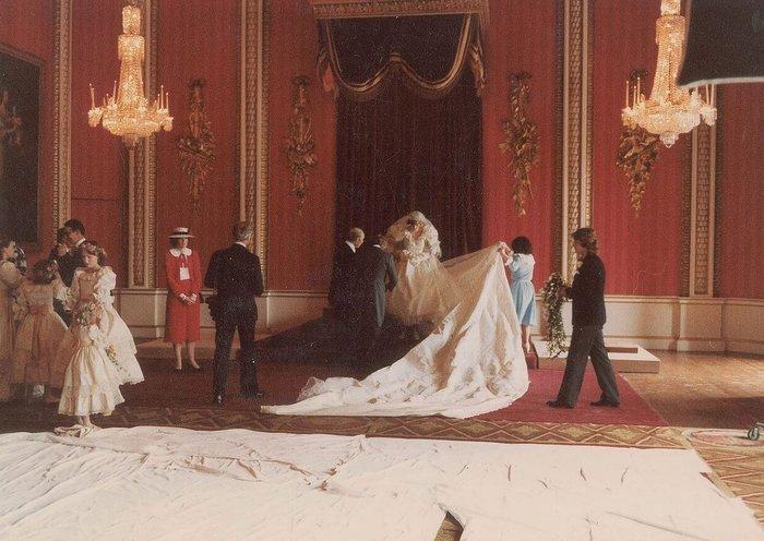 Νταϊάνα - Κάρολος: Οι άγνωστες φωτογραφίες του γάμου - εικόνα 7