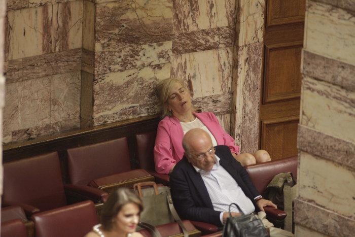 Κάποιους τους έπιασε ο καφές, κάποιους ο ύπνος - εικόνα 3