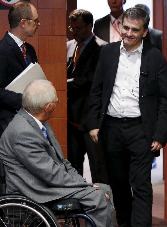 Το Eurogroup ενέκρινε το νέο δάνειο προς την Ελλάδα