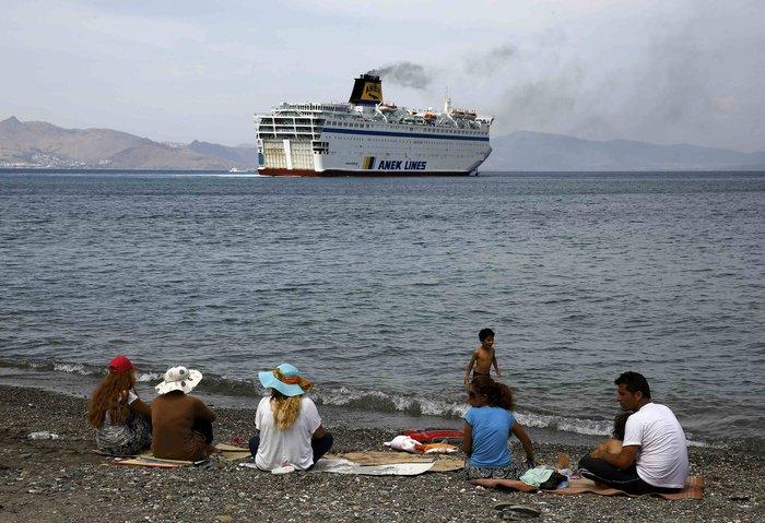 Το πλοίο-ξενοδοχείο για τους πρόσφυγες έφτασε στην Κω - εικόνα 2