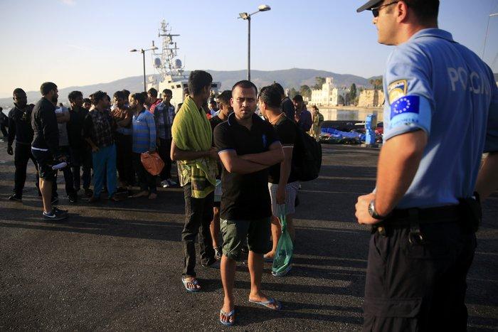Το πλοίο-ξενοδοχείο για τους πρόσφυγες έφτασε στην Κω - εικόνα 4