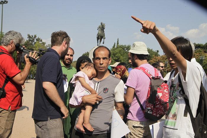 Εφτασαν στον Ελαιώνα οι πρώτοι μετανάστες (φωτό) - εικόνα 3