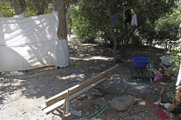 Bόμβα έτοιμη να εκραγεί το χάος με τους μετανάστες - εικόνα 7
