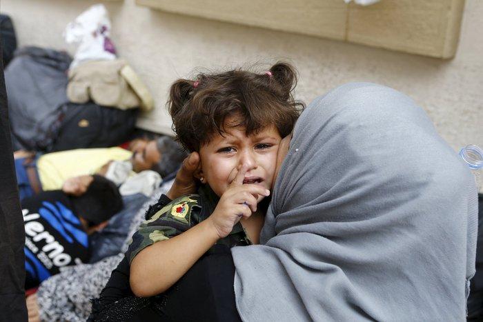 Σοκ:Τούρκοι πωλούν σωσίβια & σαμπρέλες στους πρόσφυγες