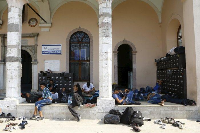 Σοκ:Τούρκοι πωλούν σωσίβια & σαμπρέλες στους πρόσφυγες - εικόνα 8