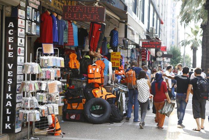 Σοκ:Τούρκοι πωλούν σωσίβια & σαμπρέλες στους πρόσφυγες - εικόνα 4