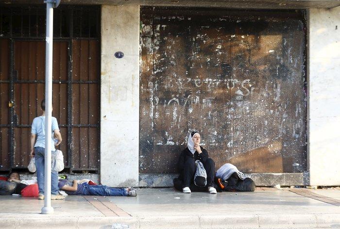 Σοκ:Τούρκοι πωλούν σωσίβια & σαμπρέλες στους πρόσφυγες - εικόνα 7