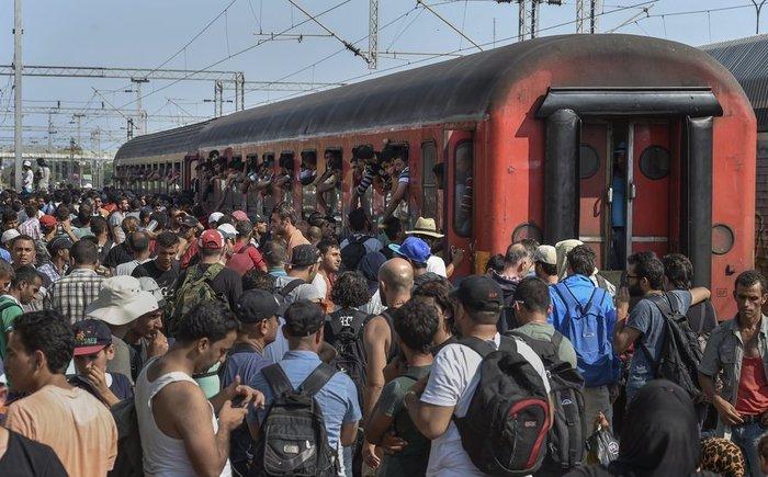 Σοκ:Τούρκοι πωλούν σωσίβια & σαμπρέλες στους πρόσφυγες - εικόνα 10