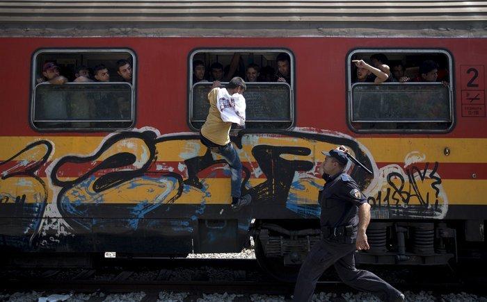 Σοκ:Τούρκοι πωλούν σωσίβια & σαμπρέλες στους πρόσφυγες - εικόνα 13