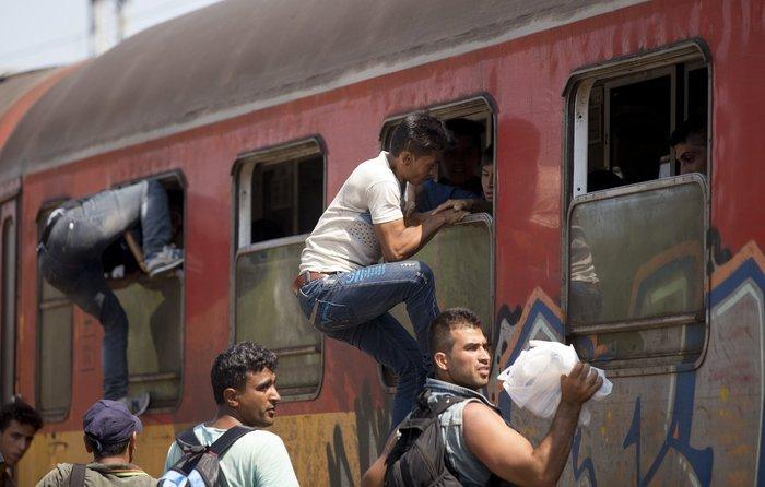 Σοκ:Τούρκοι πωλούν σωσίβια & σαμπρέλες στους πρόσφυγες - εικόνα 14