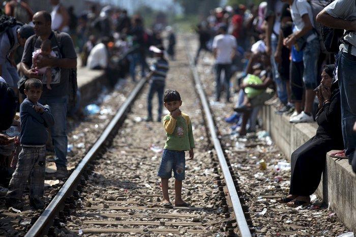 Σοκ:Τούρκοι πωλούν σωσίβια & σαμπρέλες στους πρόσφυγες - εικόνα 16