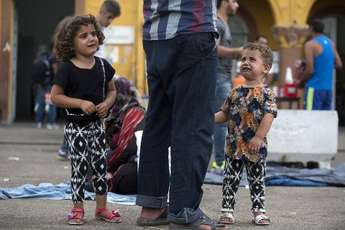 Σοκ:Τούρκοι πωλούν σωσίβια & σαμπρέλες στους πρόσφυγες - εικόνα 17