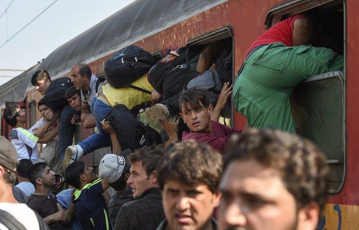 Σοκ:Τούρκοι πωλούν σωσίβια & σαμπρέλες στους πρόσφυγες - εικόνα 20