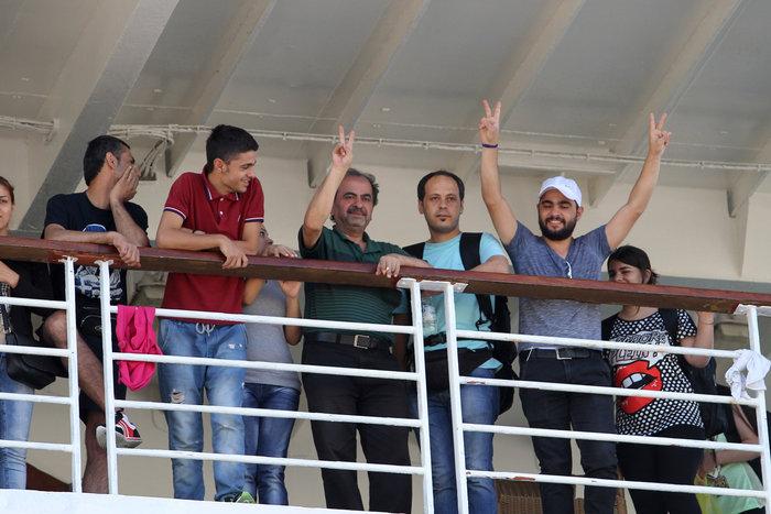Τα Σκόπια «έστειλαν» το πλοίο στον Πειραιά - εικόνα 3