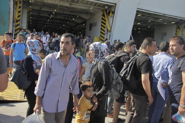 Τα Σκόπια «έστειλαν» το πλοίο στον Πειραιά - εικόνα 5