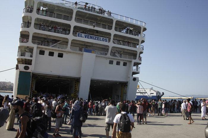 Τα Σκόπια «έστειλαν» το πλοίο στον Πειραιά - εικόνα 8