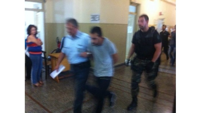 Κρήτη: Με κλωτσιές και βρισιές επιτέθηκαν στους φονιάδες του 71χρονου