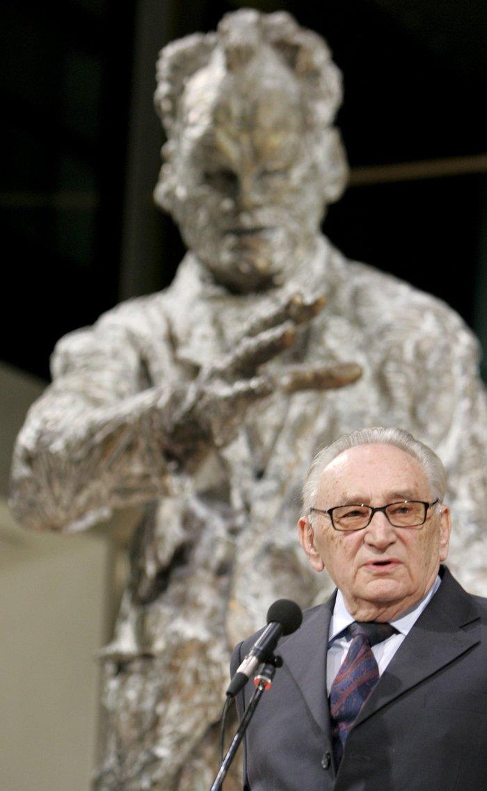Πέθανε ο «αρχιτέκτονας» της Οστπολιτίκ, Εγκον Μπαρ