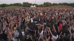 Viral Video: 1.000 μουσικοί προσκαλούν τους Foo Fighters στην Ιταλία