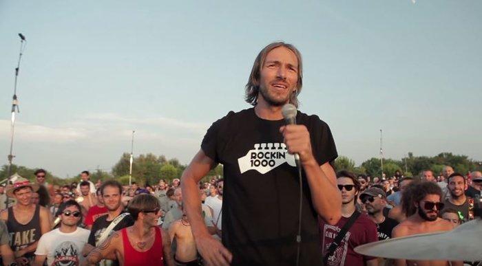 Viral Video: 1.000 μουσικοί προσκαλούν τους Foo Fighters στην Ιταλία - εικόνα 2