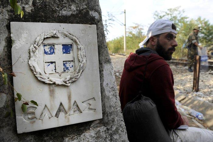 Δακρυγόνα κατά των μεταναστών στα ελληνοσκοπιανά σύνορα - εικόνα 4