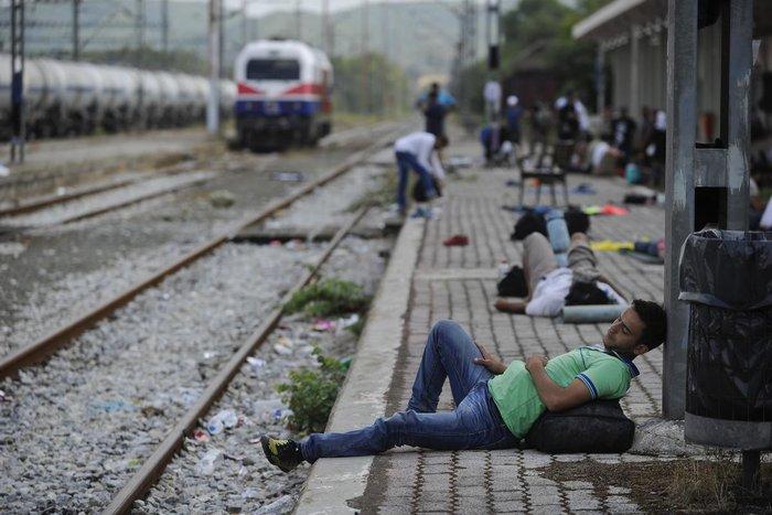 Δακρυγόνα κατά των μεταναστών στα ελληνοσκοπιανά σύνορα - εικόνα 5