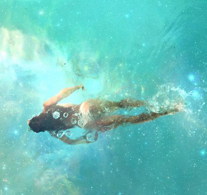 Αλεσάντρα Αμπρόζιο: Η πιο καυτή διαφήμιση της Μυκόνου - εικόνα 2