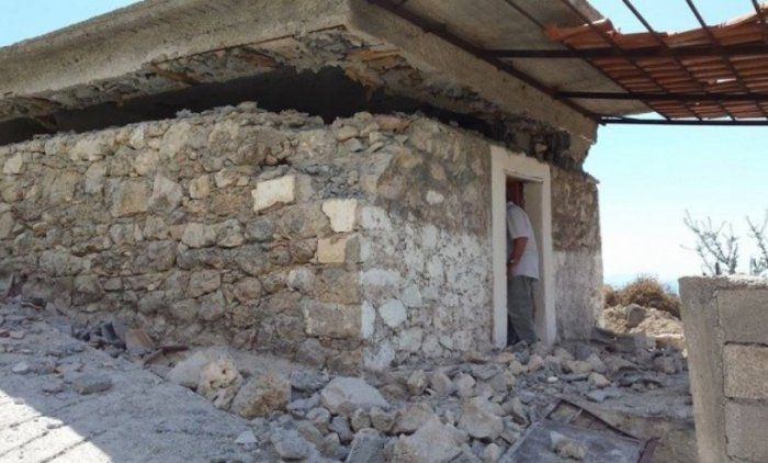 Πρόκληση! Γκρεμίζουν ορθόδοξο ναό στην Χειμάρρα [Φωτογραφίες] - εικόνα 3
