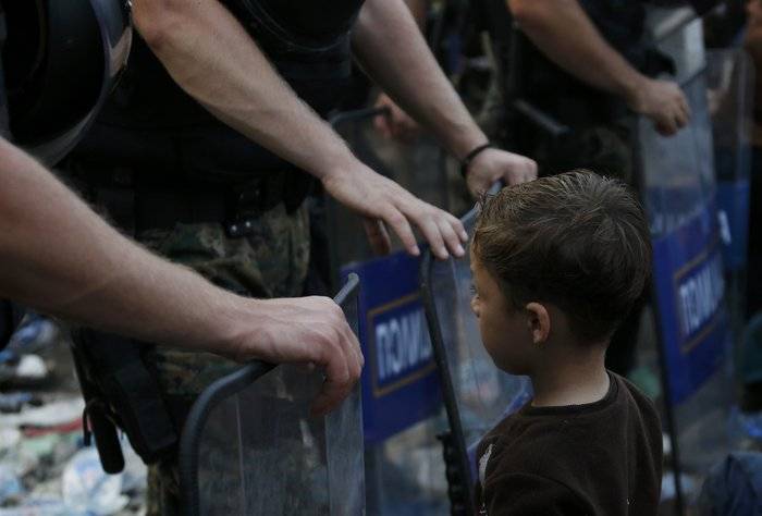 Ειδομένη: Σκηνές ντροπής και απελπισίας στα ελληνοσκοπιανά σύνορα - εικόνα 3