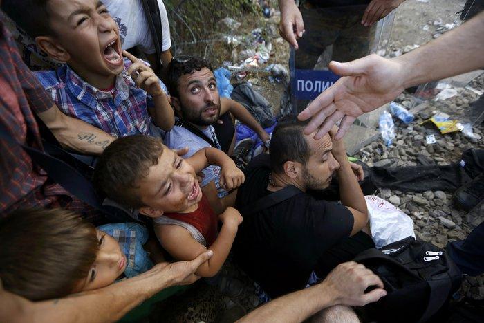 Ειδομένη: Σκηνές ντροπής και απελπισίας στα ελληνοσκοπιανά σύνορα - εικόνα 9