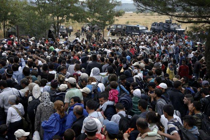 Ειδομένη: Σκηνές ντροπής και απελπισίας στα ελληνοσκοπιανά σύνορα - εικόνα 12