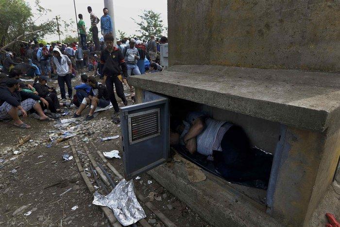Ειδομένη: Σκηνές ντροπής και απελπισίας στα ελληνοσκοπιανά σύνορα - εικόνα 15