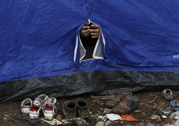 Ειδομένη: Σκηνές ντροπής και απελπισίας στα ελληνοσκοπιανά σύνορα - εικόνα 16