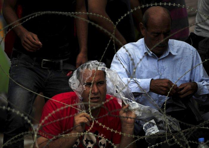 Ειδομένη: Σκηνές ντροπής και απελπισίας στα ελληνοσκοπιανά σύνορα - εικόνα 18