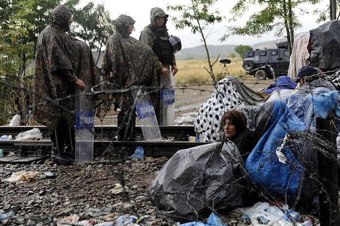4.000 πρόσφυγες πέρασαν τα σύνορα στην Ειδομένη - εικόνα 10