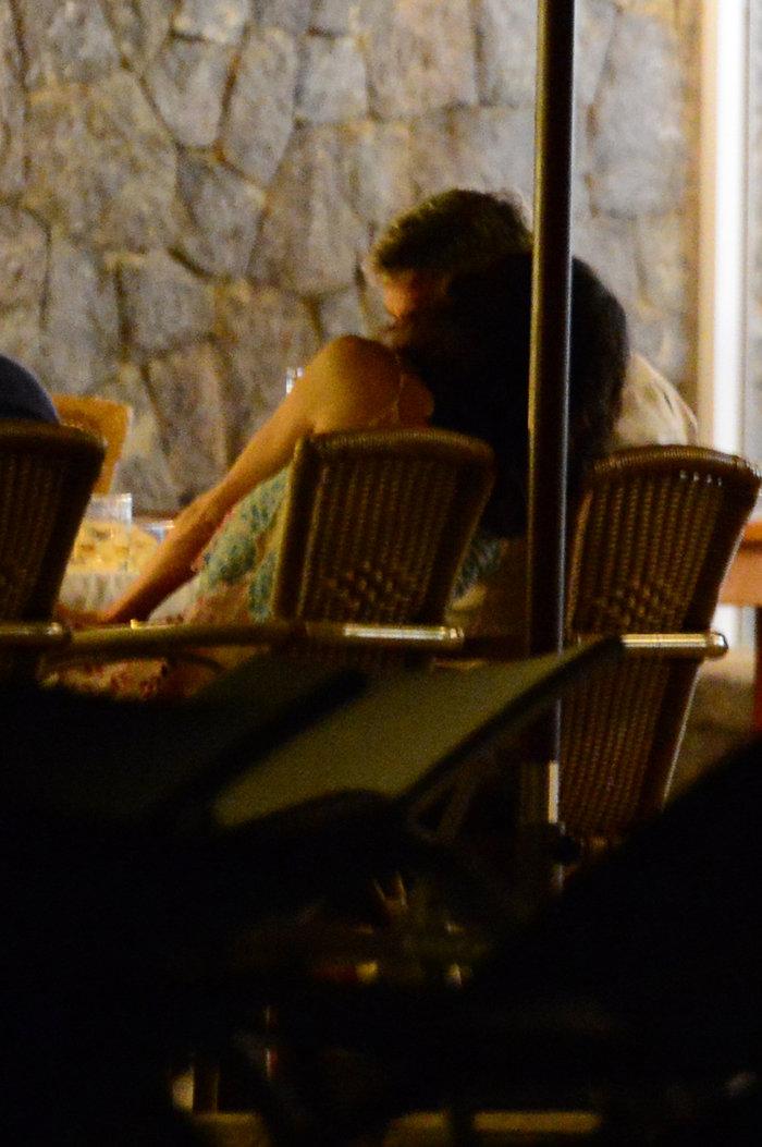 Κλούνεϊ, Αμάλ, Σίντι Κρόφορντ & σύζυγος στην Ιμπιζα - εικόνα 7
