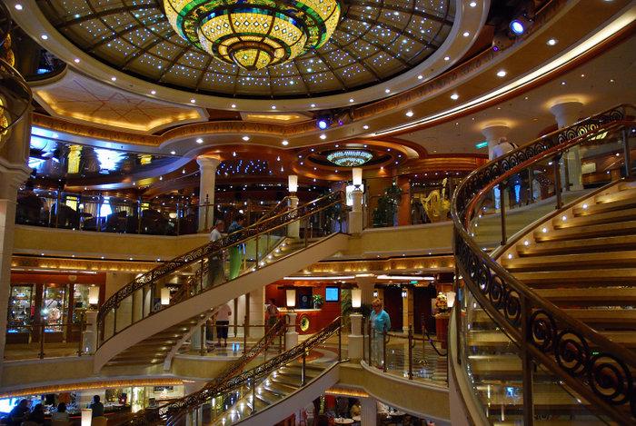 Στο λιμάνι του Βόλου το Emerald Princess [ΦΩΤΟ]