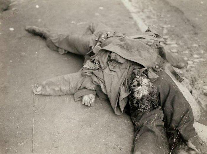 Συγκλονιστικές φωτογραφίες από τη φρίκη του Β' Παγκοσμίου Πολέμου