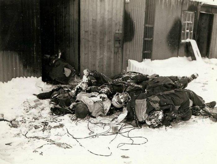 Συγκλονιστικές φωτογραφίες από τη φρίκη του Β' Παγκοσμίου Πολέμου - εικόνα 5
