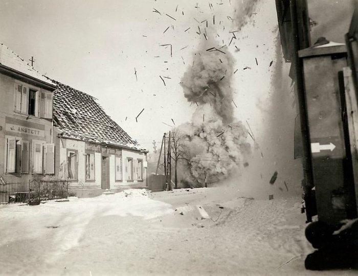 Συγκλονιστικές φωτογραφίες από τη φρίκη του Β' Παγκοσμίου Πολέμου - εικόνα 10