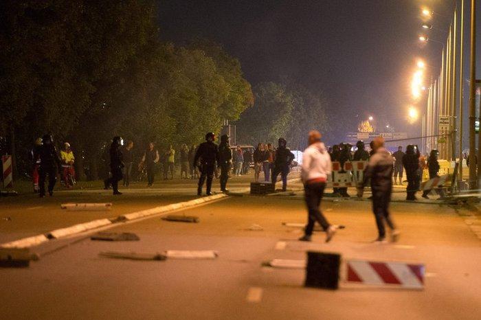Ταραχές στη Δρέσδη με ακροδεξιούς για τους μετανάστες