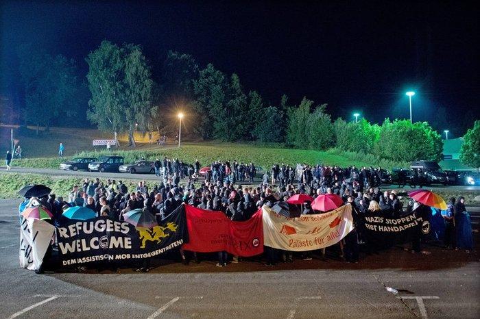 Ταραχές στη Δρέσδη με ακροδεξιούς για τους μετανάστες - εικόνα 2