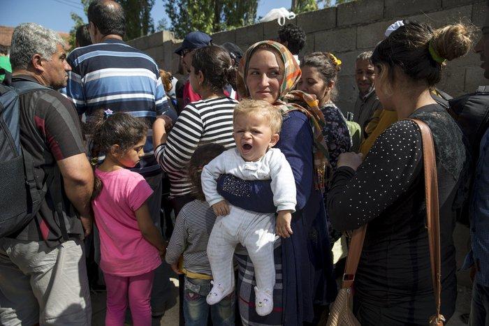 Τρεις συγκλονιστικές ιστορίες προσφυγιάς στα σύνορα των Σκοπίων - εικόνα 3