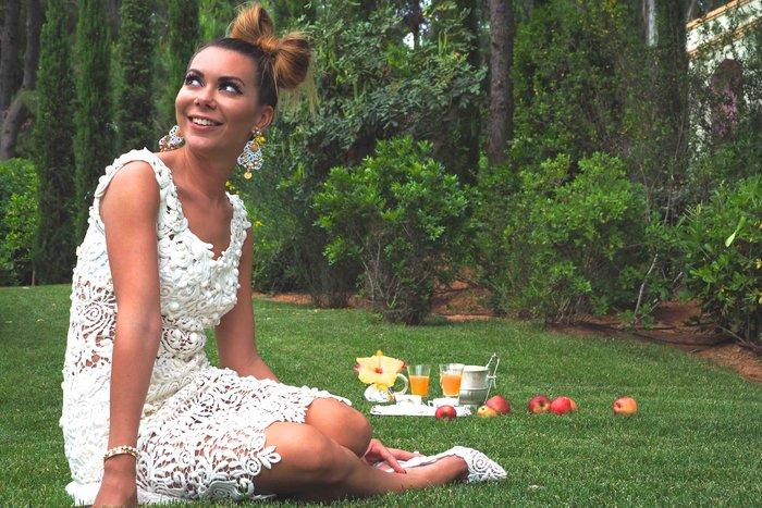 Κόρη Ελληνα κροίσου και διάσημη fashionista στην Ελλάδα για διακοπές - εικόνα 12