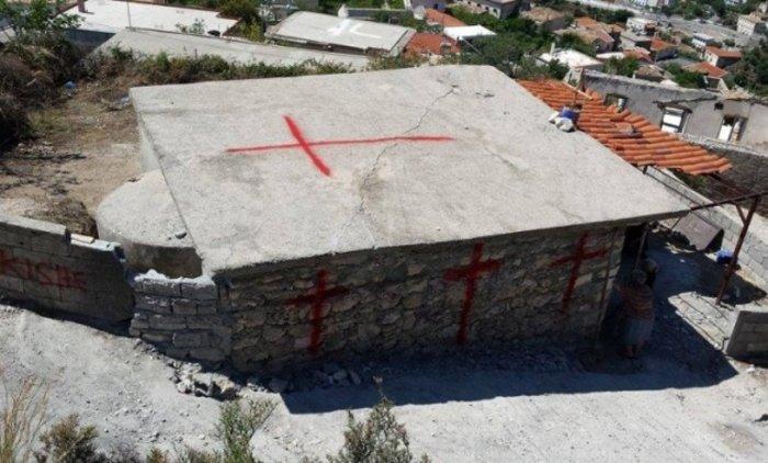 Αλβανική πρόκληση.Γκρέμισαν τον ορθόδοξο ναό στη Χιμάρα